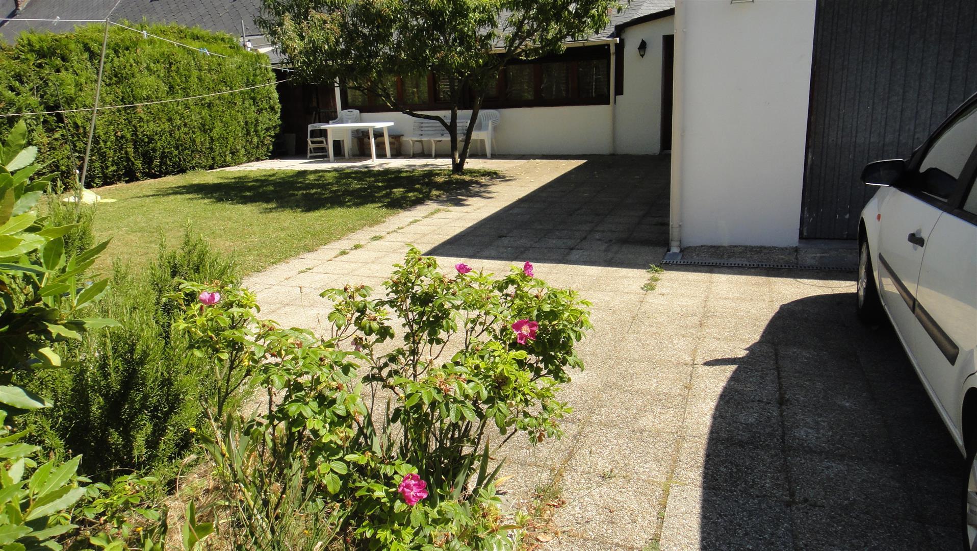 vente GRAND QUEVILLY : MAISON 175 m2 + 2 garages + Jardin 575 m2